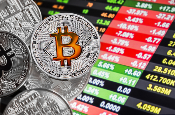 Последний рывок в уходящем году: биткоин вновь пробивает отметку в $4000
