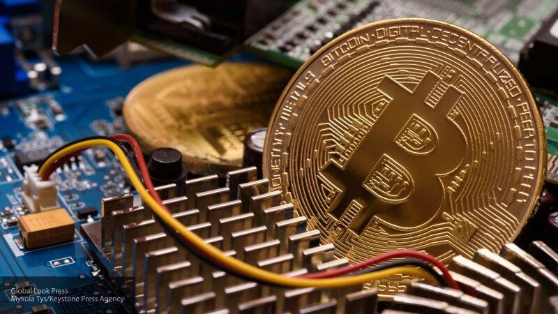 Экономист: темпы развития криптовалют наводят панику на банки и властные структуры