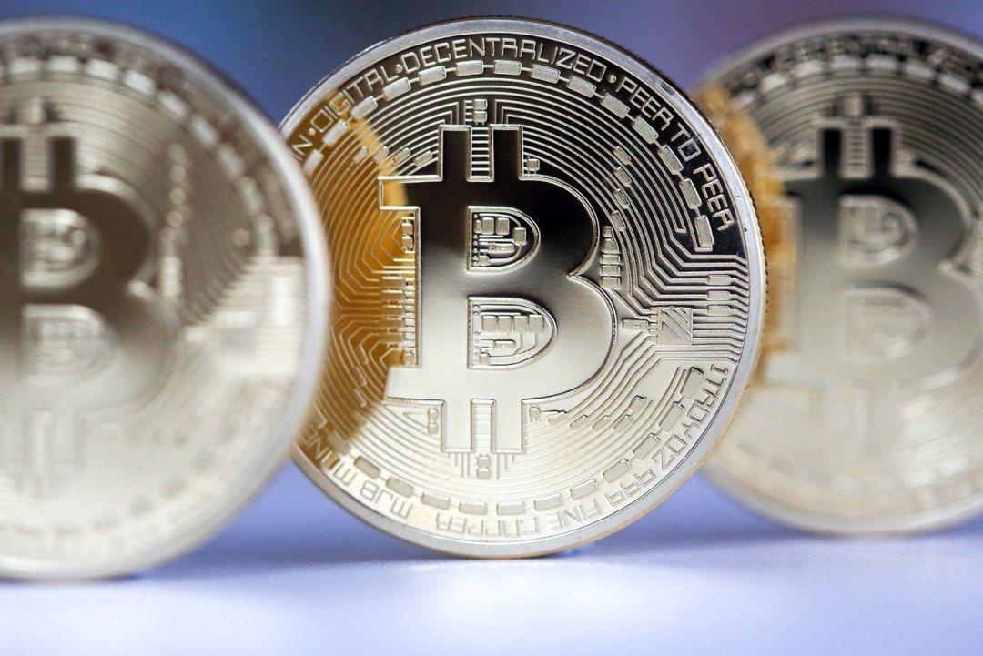биткоин продолжает расти