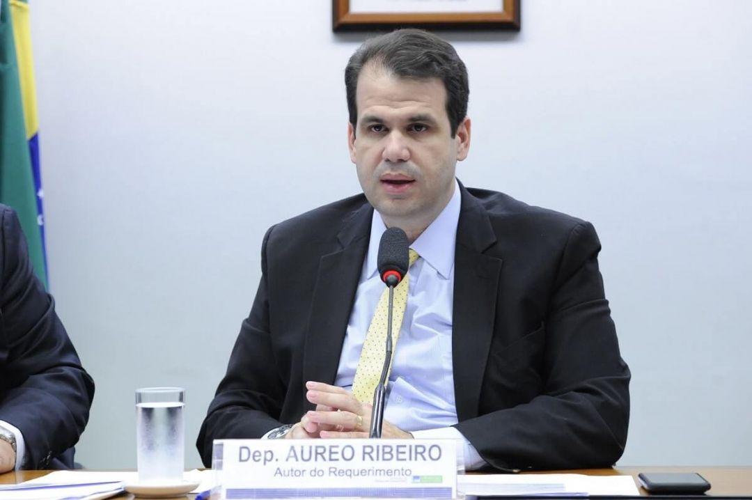 Аурео Рибейро Бразилия политика